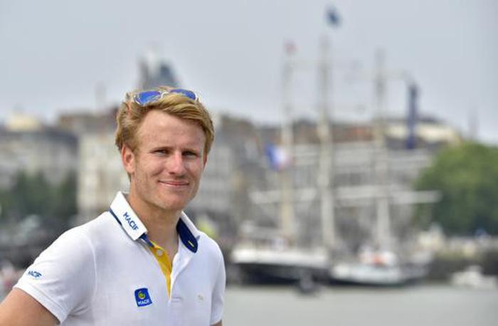 Người Pháp lại phá kỷ lục vòng quanh thế giới bằng thuyền buồm - Ảnh 1.