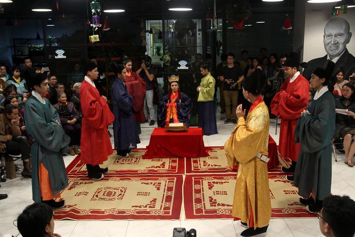 Dệt nên triều đại - khôi phục văn hóa cung đình đã phôi phai - Ảnh 12.