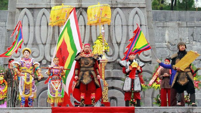 Huế kỷ niệm 229 năm Nguyễn Huệ lên ngôi hoàng đế - Ảnh 1.