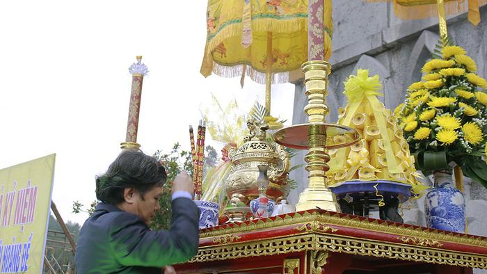 Huế kỷ niệm 229 năm Nguyễn Huệ lên ngôi hoàng đế - Ảnh 2.