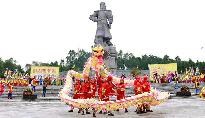 Huế kỷ niệm 229 năm Nguyễn Huệ lên ngôi hoàng đế - Ảnh 5.