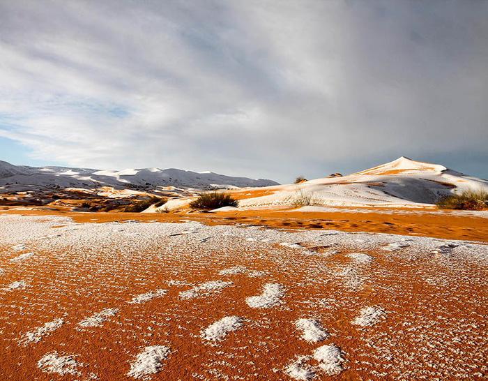 Chuyện khó tin: tuyết rơi phủ trắng sa mạc Sahara - Ảnh 11.