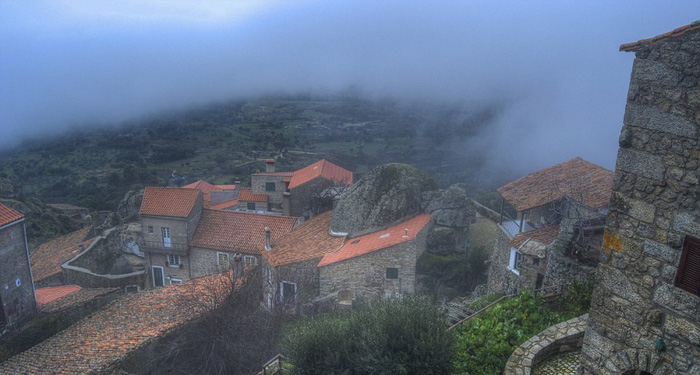 Ngôi làng đá đặc biệt nhất Bồ Đào Nha - Ảnh 9.