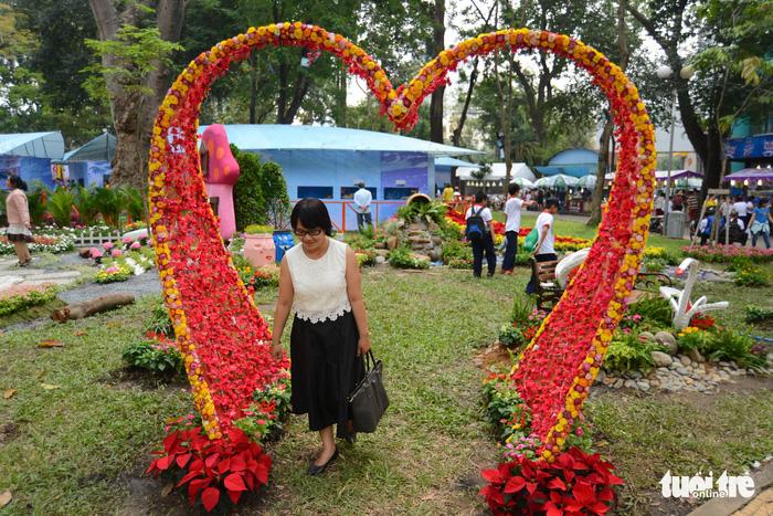 Hội hoa xuân Tao Đàn đã mở cửa đợi khách thưởng hoa - Ảnh 4.