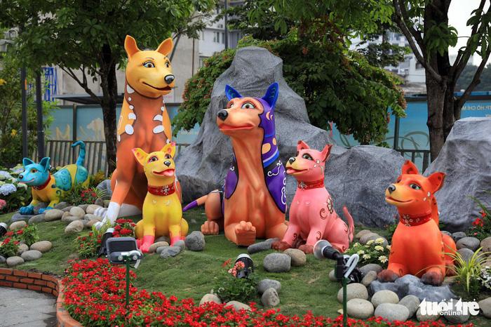 Đường hoa Nguyễn Huệ mở cửa đón khách du xuân - Ảnh 7.