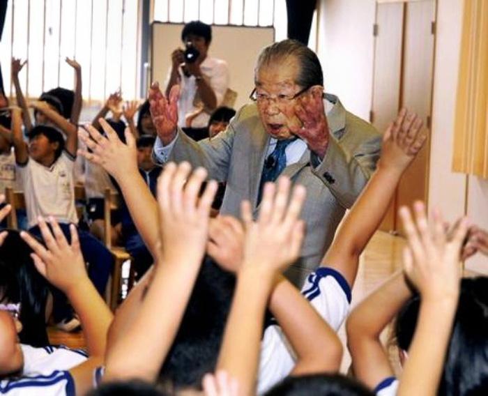 12 bí quyết trường thọ của bác sĩ Nhật Shigeaki Hinohara - Ảnh 6.