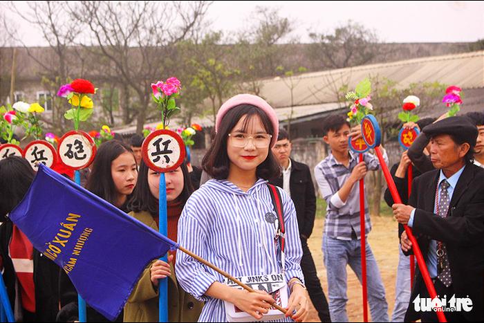 Chơi cờ trịch ở Cẩm Nhượng ngày xuân  - Ảnh 6.