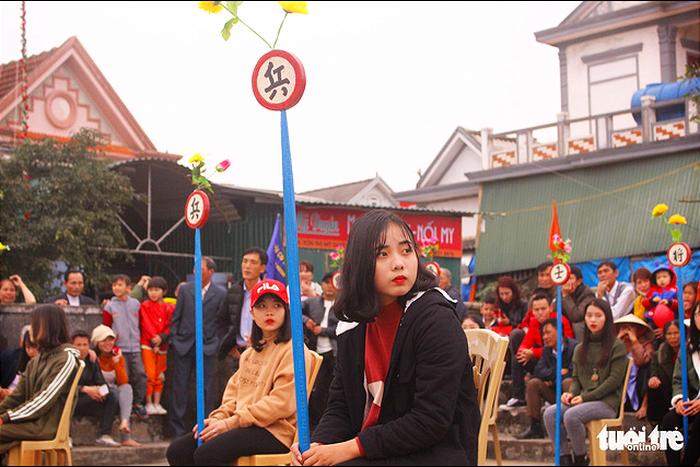 Chơi cờ trịch ở Cẩm Nhượng ngày xuân  - Ảnh 8.