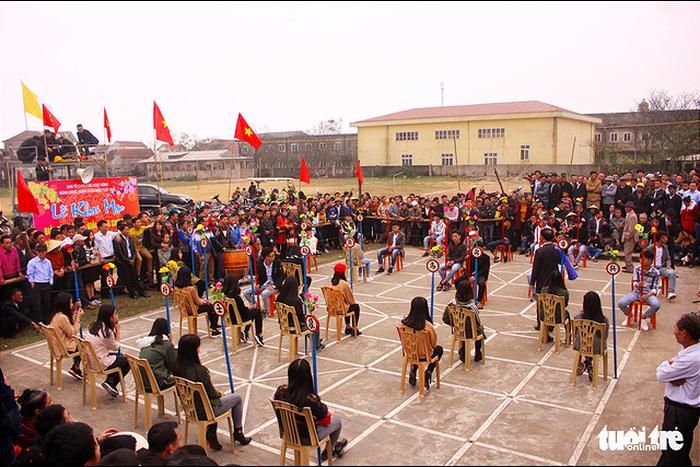Chơi cờ trịch ở Cẩm Nhượng ngày xuân  - Ảnh 2.