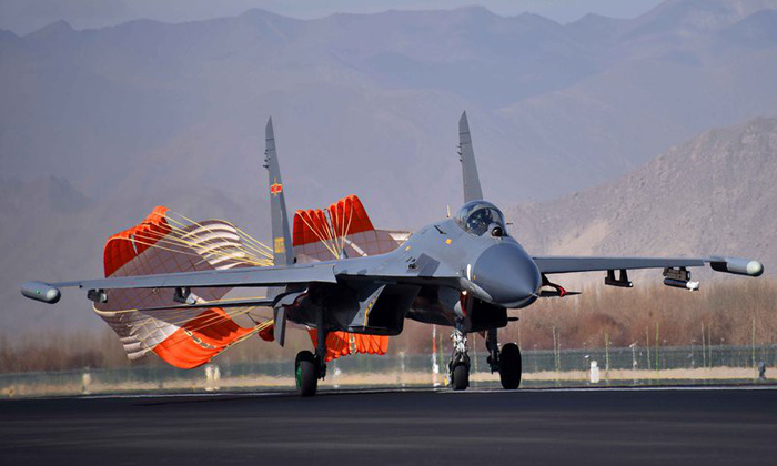 Bắc Kinh bắn tin: điều máy bay hiện đại tập trận để chống Ấn Độ - Ảnh 3.