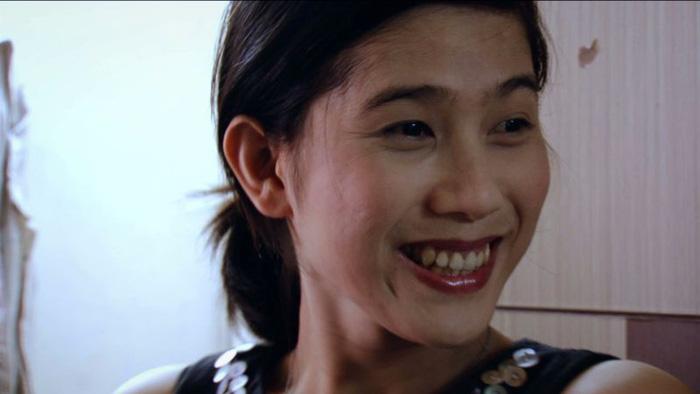 Phim về người chuyển giới Đi tìm Phong trụ rạp 2 tuần ở Pháp - Ảnh 7.