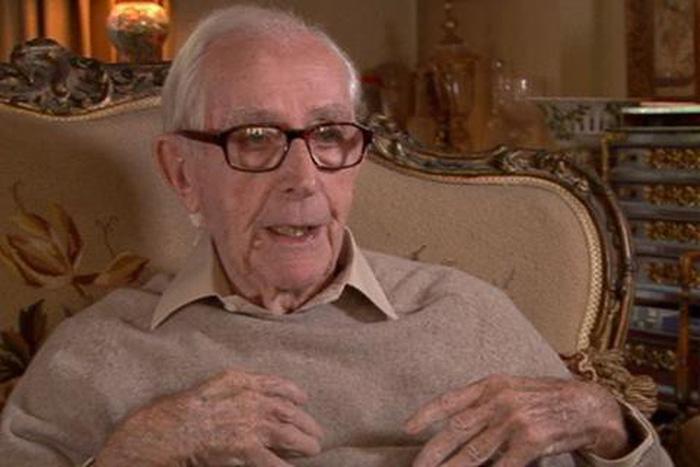 Đạo diễn phim James Bond qua đời ở tuổi 97 - Ảnh 2.