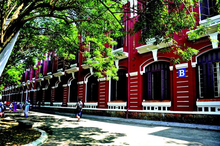 Nguyễn Tất Thành ra đi từ ngôi trường xứ Huế - Ảnh 4.