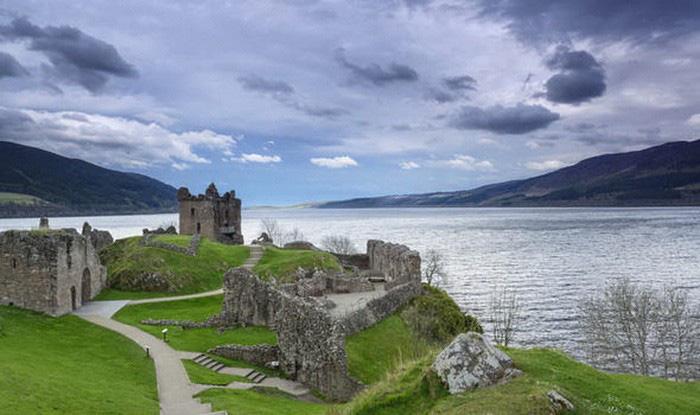 Thủy quái có thật? - Kỳ 2: Quái vật hồ Loch Nes - Ảnh 2.