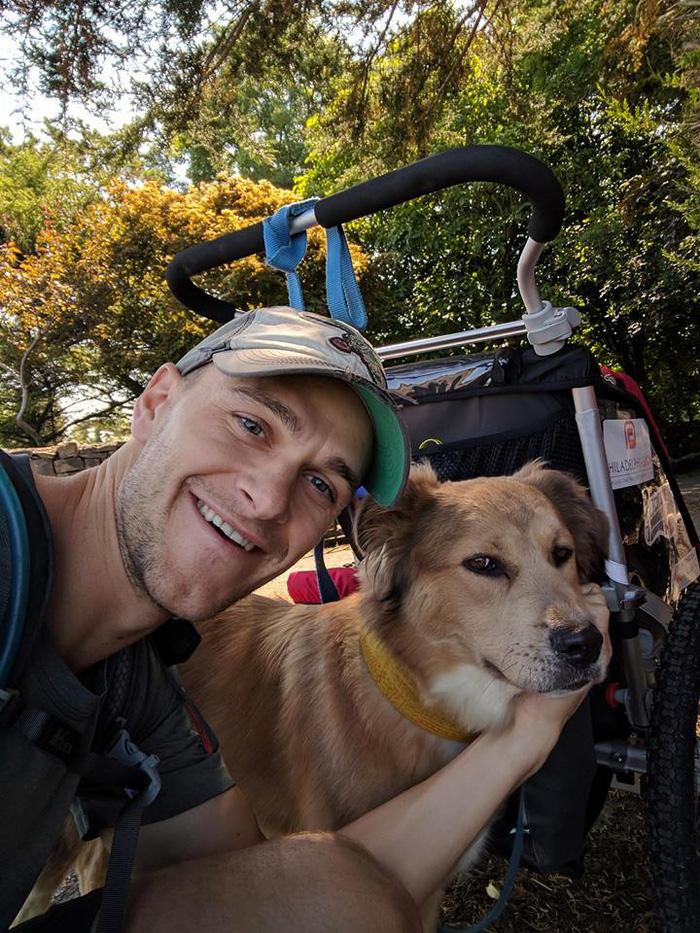 Chàng trai dắt chó đi bộ vòng quanh thế giới - Ảnh 2.