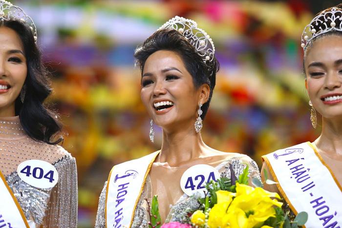 HHen Niê đăng quang Hoa hậu Hoàn vũ Việt Nam 2017 - Ảnh 1.
