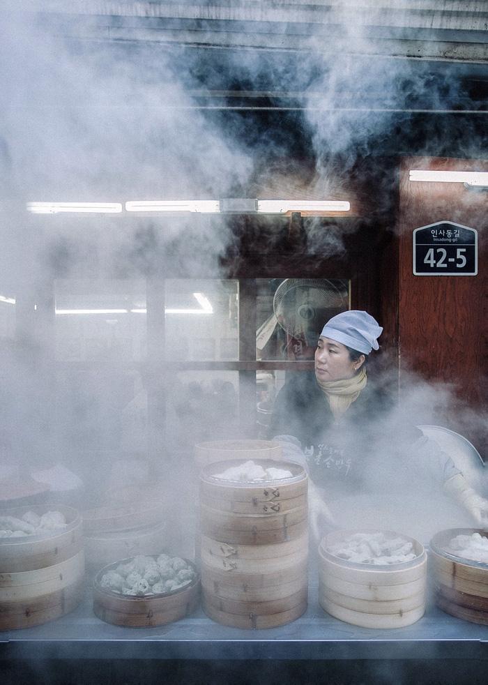 Thưởng thức bánh bao hấp Hàn Quốc - Ảnh 3.