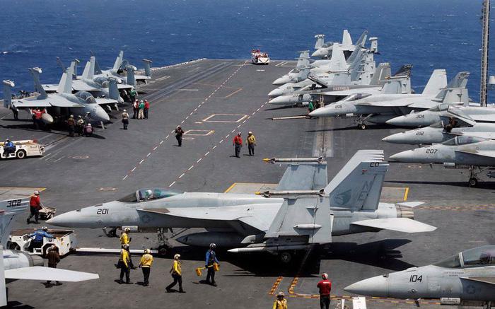 Tàu sân bay Mỹ đã neo đậu trong Vịnh Đà Nẵng - Ảnh 11.