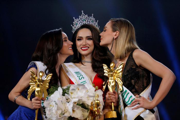 Hương Giang và hành trình giành vương miện Hoa hậu chuyển giới 2018 - Ảnh 3.
