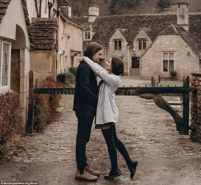 Cặp đôi kiếm bộn tiền nhờ du lịch và chụp ảnh - Ảnh 1.
