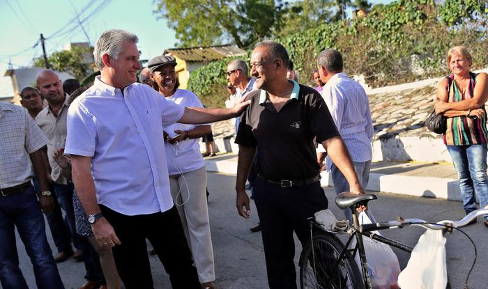 Ở Cuba, thiếu niên tiền phong giám sát thùng phiếu bầu cử - Ảnh 4.