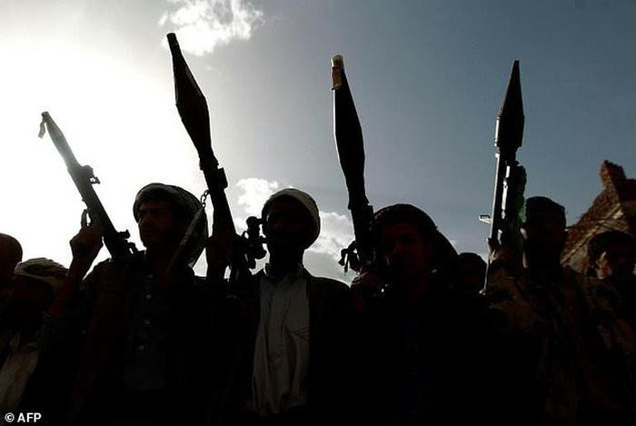 Châu Á, Trung Đông mua nhiều vũ khí nhất thế giới - Ảnh 2.