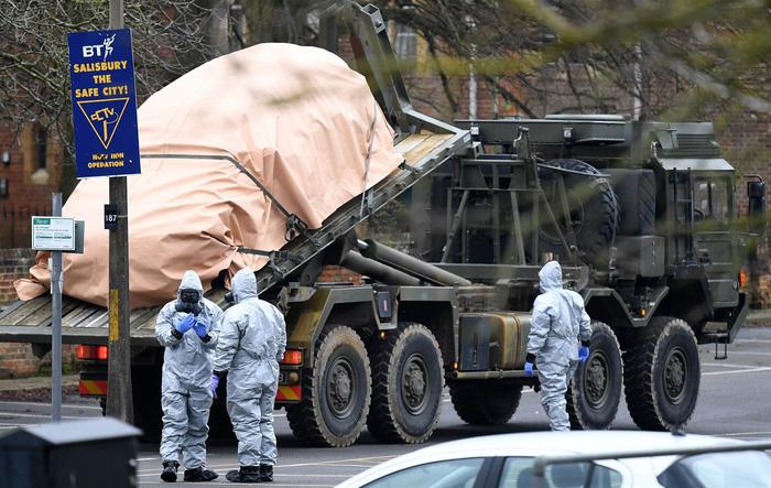 Giải mật chất độc thần kinh Novichok diệt khẩu cựu điệp viên Nga - Ảnh 1.