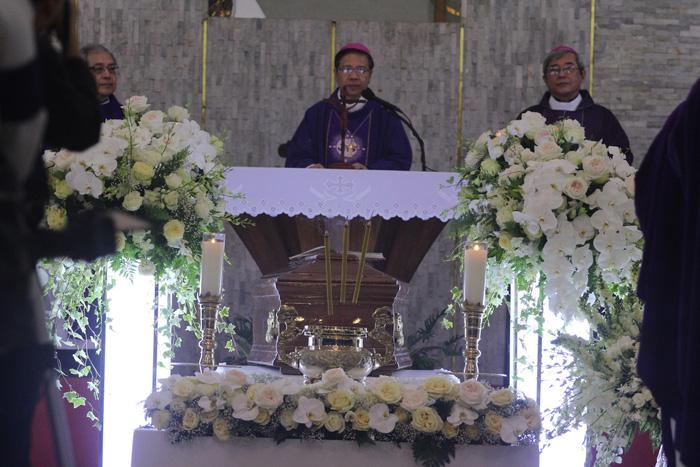 Đức Tổng giám mục Phaolo Bùi Văn Đọc: Con người của yêu thương - Ảnh 2.