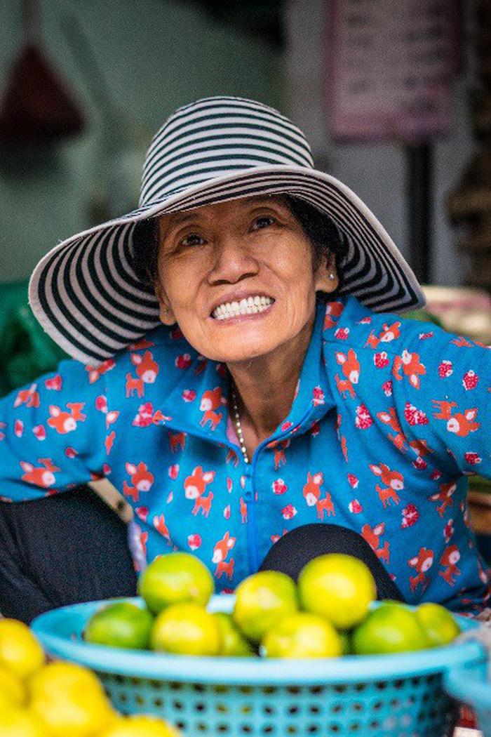 Phụ nữ Sài Gòn: Nụ cười che lấp giọt mồ hôi - Ảnh 7.