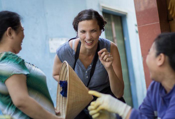 Phụ nữ Sài Gòn: Nụ cười che lấp giọt mồ hôi - Ảnh 1.