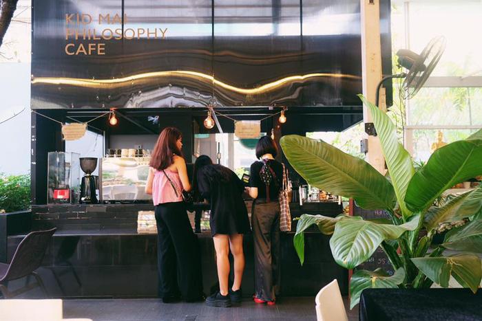 Đi Bangkok uống cà phê ở quán cà phê đám tang - Ảnh 8.
