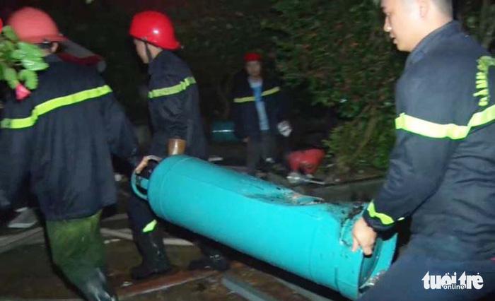 Nổ ở quán nướng giữa đêm ở Nghệ An có thể do rò khí gas - Ảnh 2.