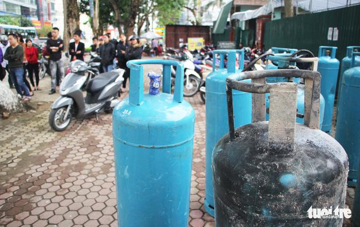 Nổ ở quán nướng giữa đêm ở Nghệ An có thể do rò khí gas - Ảnh 1.