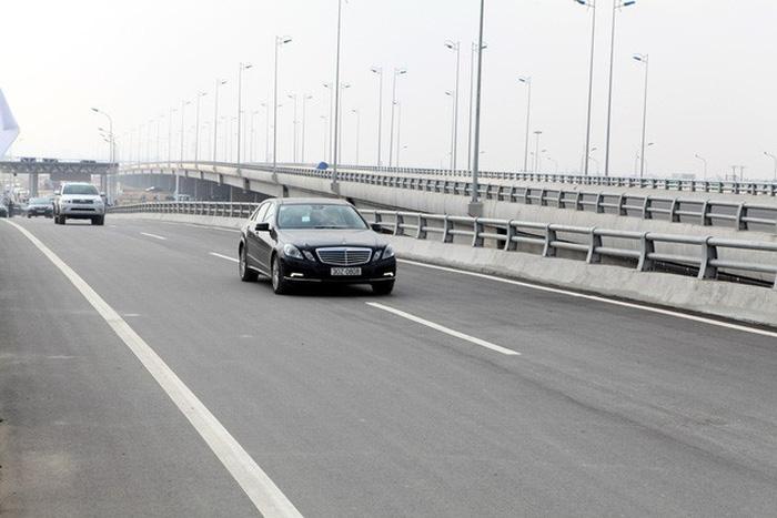 Chạy đường cao tốc phải có văn hóa cao - Ảnh 5.