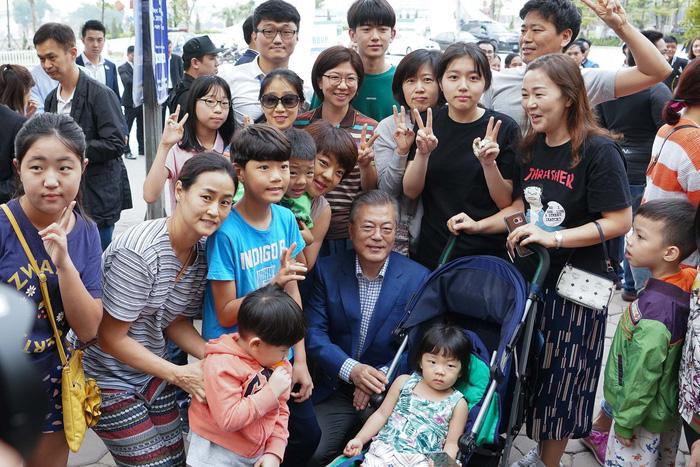 Tổng thống Hàn Quốc dừng xe ăn phở Việt 150.000đ trước khi về nước - Ảnh 7.