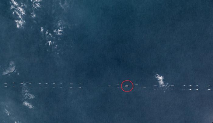 Trung Quốc điều hàng chục tàu chiến hướng xuống Biển Đông - Ảnh 1.