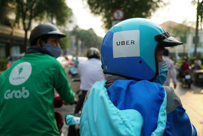 Ứng dụng Grab mắc lỗi không đặt được xe, giá cước Uber tăng gấp 3 lần