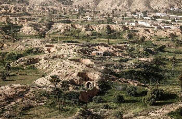 Cuộc sống của các gia đình dưới lòng đất ở Tunisia - Ảnh 1.