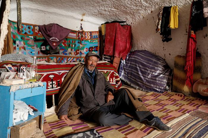 Cuộc sống của các gia đình dưới lòng đất ở Tunisia - Ảnh 10.