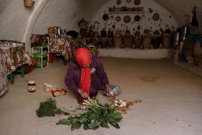 Cuộc sống của các gia đình dưới lòng đất ở Tunisia - Ảnh 11.