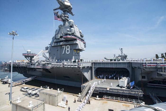 Sức mạnh khét tiếng của đội tàu sân bay Mỹ - Ảnh 1.