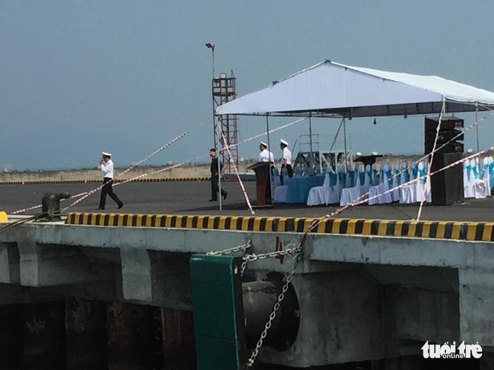 Tàu sân bay Mỹ đã neo đậu trong Vịnh Đà Nẵng - Ảnh 7.