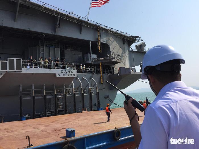 Tàu sân bay Mỹ đã neo đậu trong Vịnh Đà Nẵng - Ảnh 1.