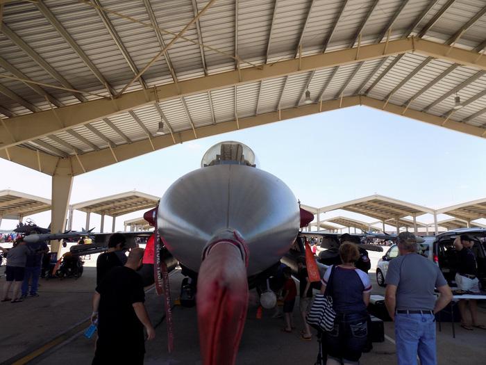 Xem 'Airshow' ở căn cứ không lực Hoa Kỳ - Ảnh 8.