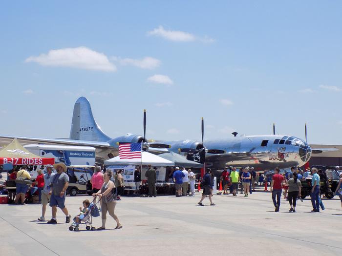 Xem 'Airshow' ở căn cứ không lực Hoa Kỳ - Ảnh 11.