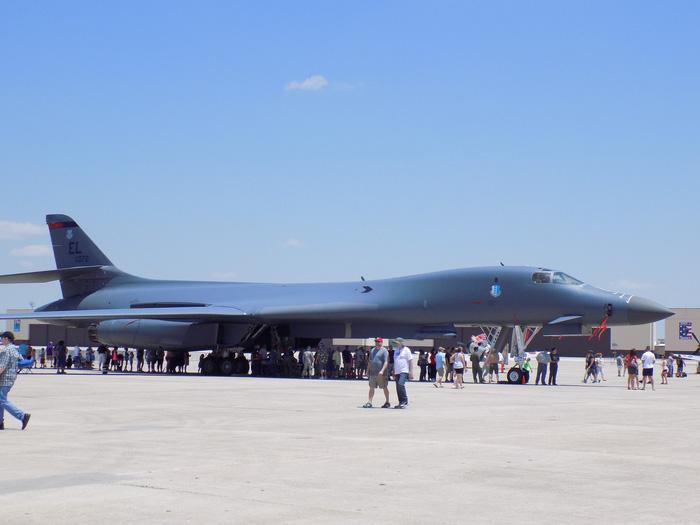 Xem 'Airshow' ở căn cứ không lực Hoa Kỳ - Ảnh 12.