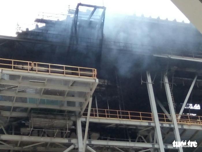 Cháy lớn tại nhiệt điện Duyên Hải 3, cả chục người đu dây thoát thân - Ảnh 3.