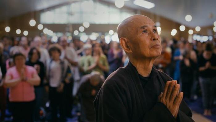 Thong dong cùng thiền sư Thích Nhất Hạnh trong Walk with me - Ảnh 6.