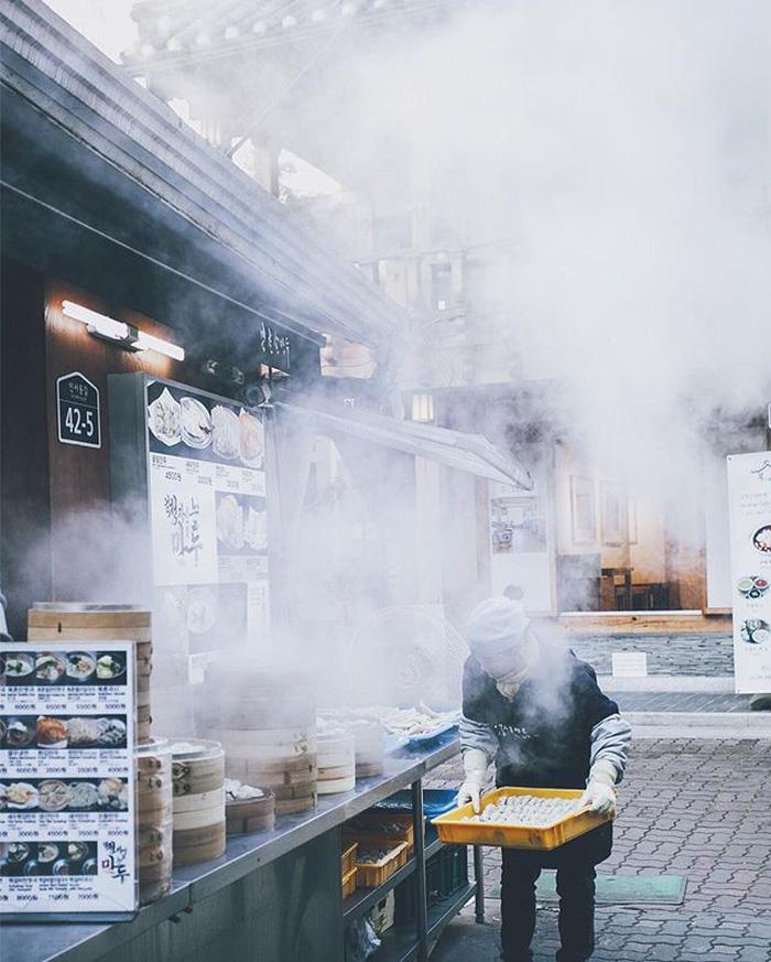 Thưởng thức bánh bao hấp Hàn Quốc - Ảnh 4.