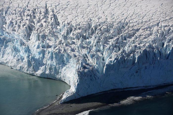 Ngắm vẻ đẹp băng giá và chim cánh cụt ở Nam cực - Ảnh 1.
